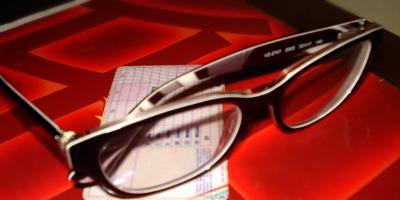 L'uso degli occhiali durante la guida