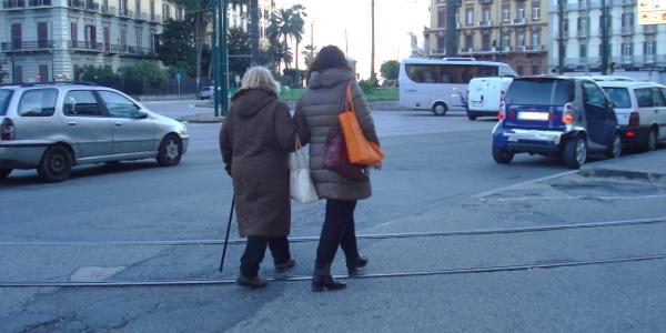 Comportamenti da tenere verso le persone anziane