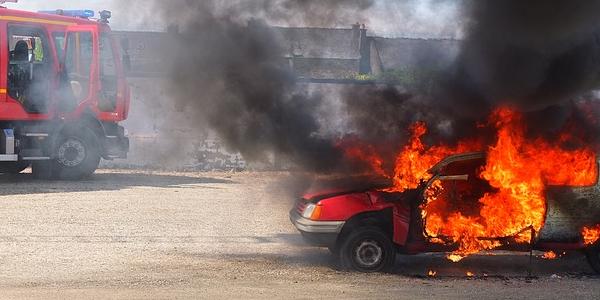 Comportamenti da adottare dopo un incidente se c'è rischio o principio di incendio