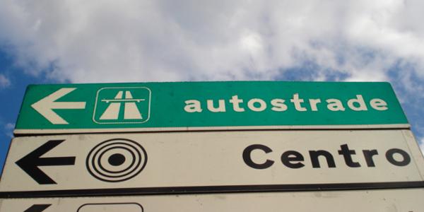 Comportamenti da tenere su autostrade e strade extraurbane principali