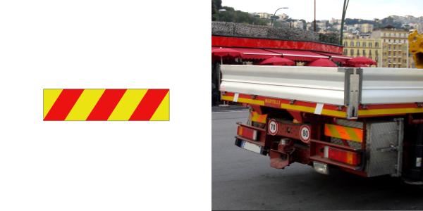 Pannello per veicoli adibiti al trasporto merci con massa a pieno carico superiore a 3,5 t